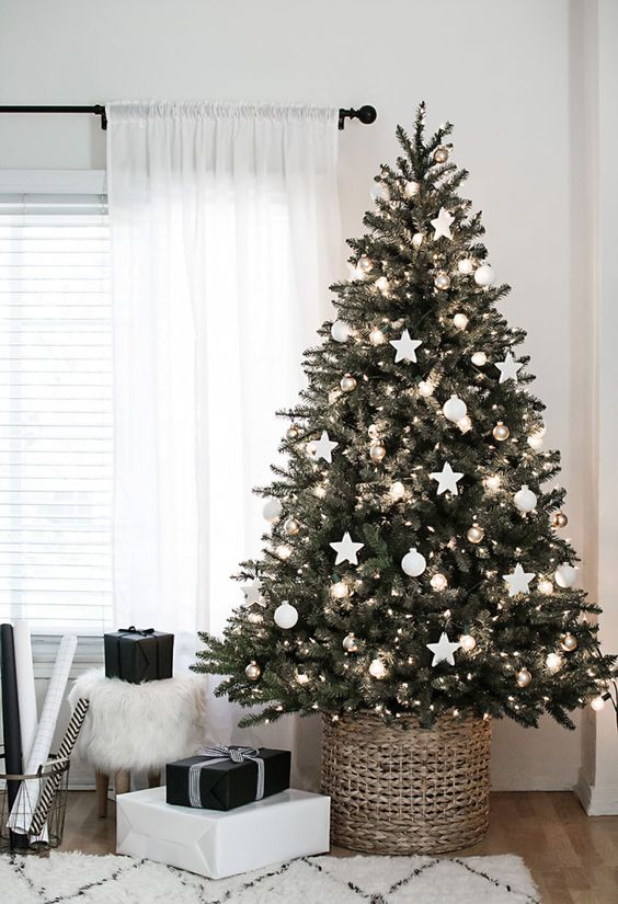 december mood christmas tree